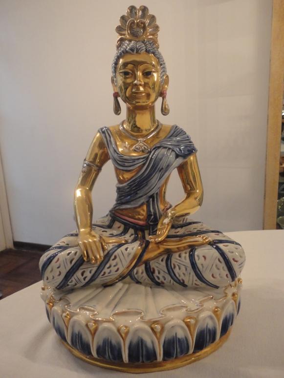 Esta es la preciosa diosa oriental que adquirí en un Mercado de Pulgas de Lima