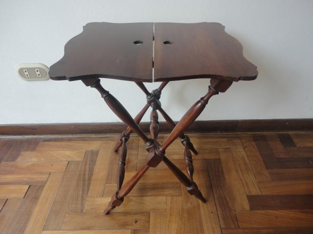 Esta es la Butler Table que compré en un Mercado de pulgas