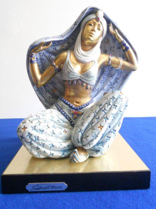Bailarina Persa, escultura de Edoardo Tasca para Capodimonti