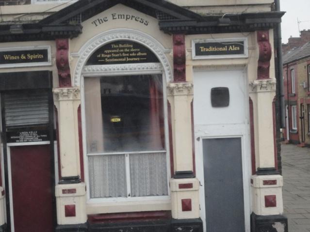 Empress Pub en Liverpool cuya foto aparece en el album Sentimental Journey de Ringo.