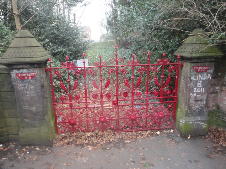Lugar que inspiró la canción Strawberry Field en Liverpool