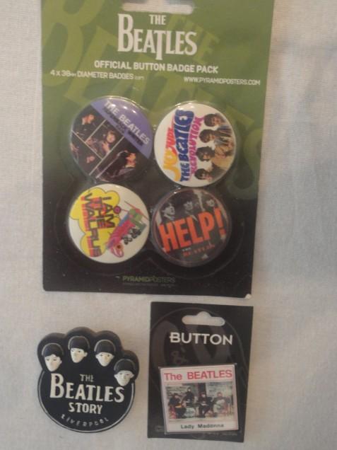 Souvenirs adquiridos en Beatle Shop - Liverpool.