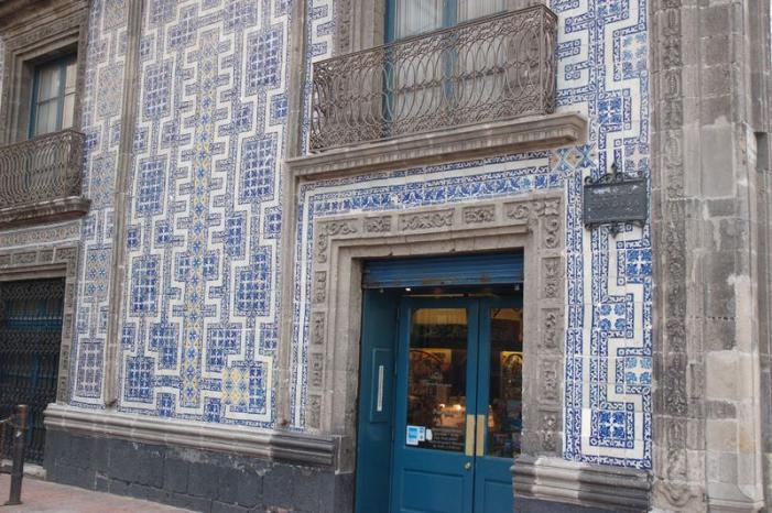 azulejos en casa de los azulejos mexico city