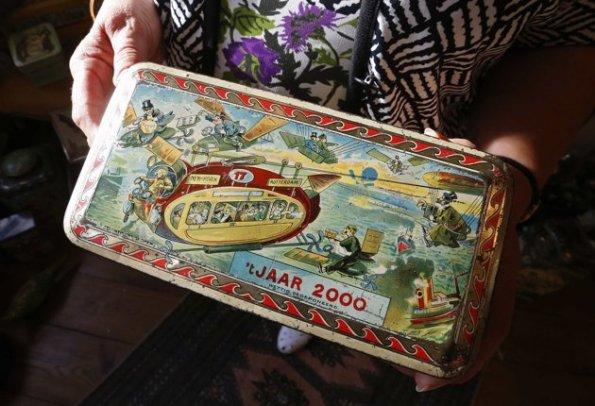 caja de hojalata 2000