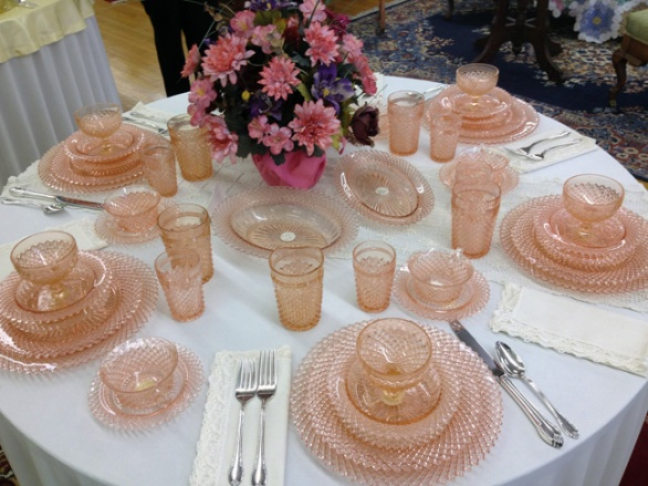 decoracion con depression glass 2