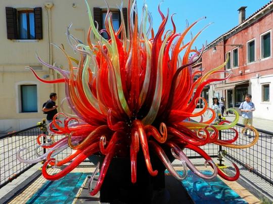 murano-sculpture en plaza de murano