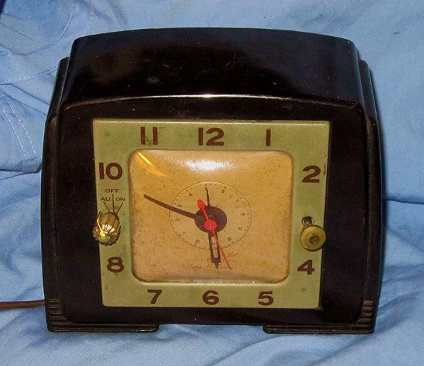 bakelite general electric clock 1930