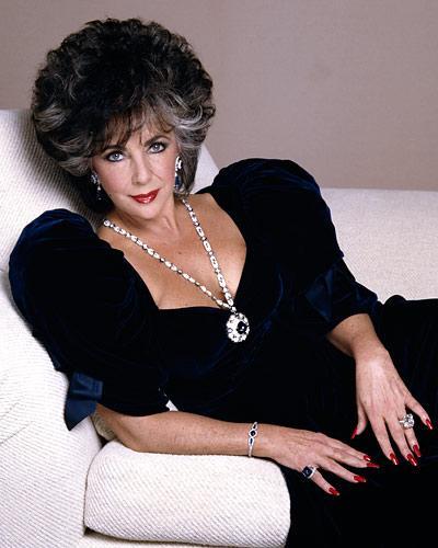 elizabeth taylor collar de diamantes y záfiros regalo de Richard burton