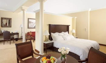 hotel country club suite