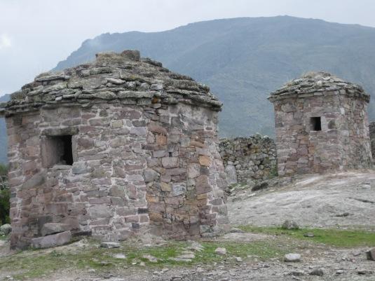 Chulpas prehispánicas en Marcahuasi.