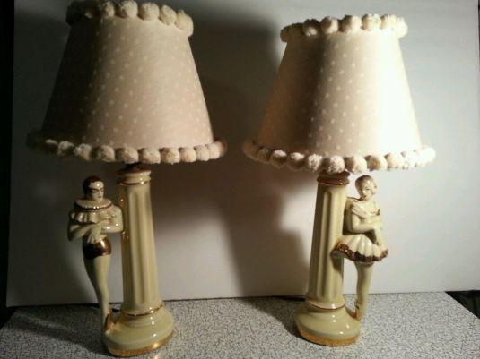 Lámparas Art Decó de cerámica con base de bailarines de ballet. 1930.
