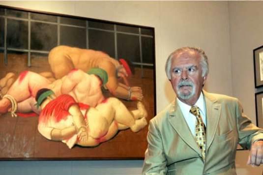 Botero con una de sus pinturas sobre las torturas de la prisión irakí de Abu Ghraib.