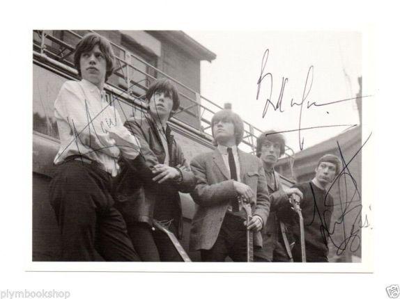 Auténtica fotografía de los Rolling Stones de 1962, autografiada por los miembros del grupo.