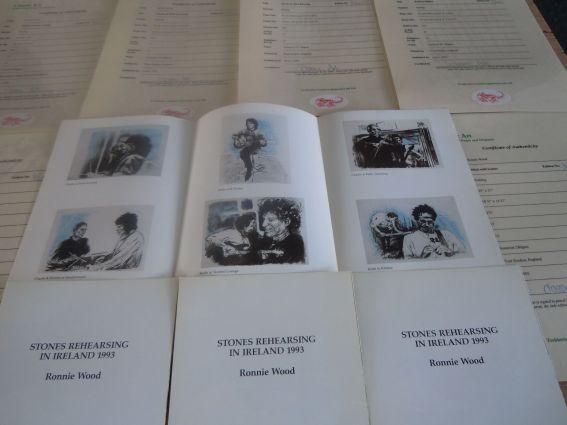 Juego de seis dibujos de los miembros de los Rolling Stones firmados por Ronnie Wood.