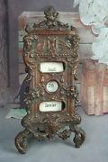 Calendario francés 1820 en bronce estilo gótico.