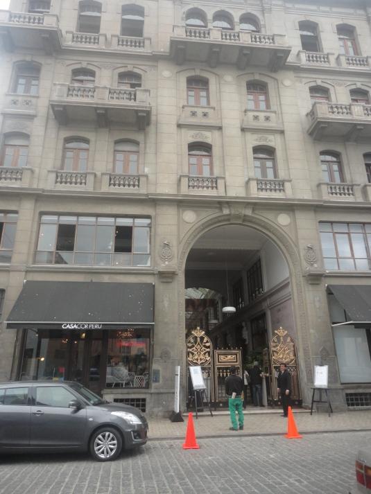 Edificio Ronald en el Callao, Perú.