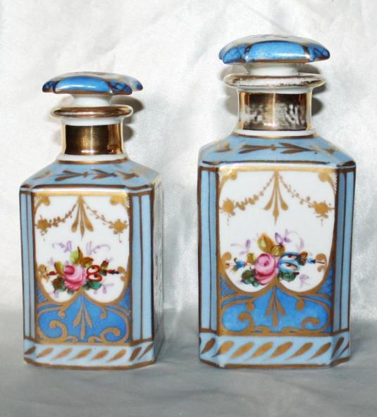 Frascos de tocador de porcelana Limoges. Francia 1900.