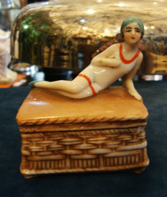 ART DECO GERMANY PORCELAIN PILL BOX W  FIGURINE ,    2