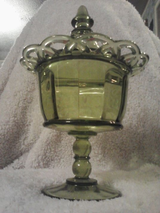 bombonera ANTIQUE Vintage 1920's Green Glass Candy DISH - Apothecary Jar - Pedestal BOWL