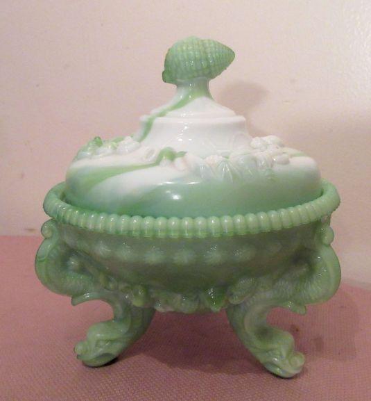 bombonera vintage ornate green slag glass figural shell candy centerpiece lidded jar bowl