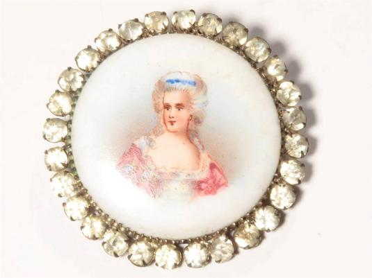 botones Rare Antique C19th painted porcelain Portrait rhinestones collectible button.jpg