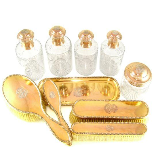 Vanity set de plata esterlina banada en oro. Francia. 1850.