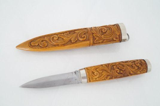 caza cuchillo cacería sueco mango madera tallada 1890