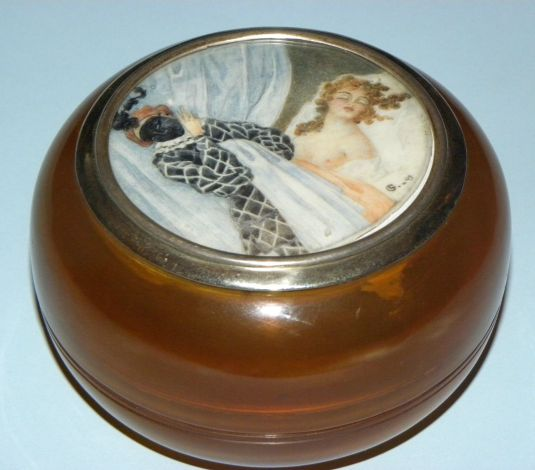 eros ANTIQUE FRENCH ART DECO HORN SILVER MINIATURE EROTIC SCENE POWDER BOX SIGNED 1920