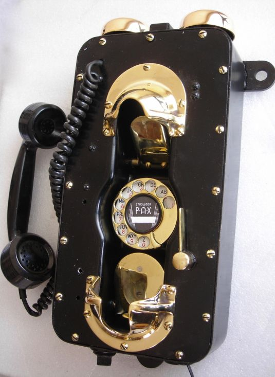 teléfono baquelita bronce y aluminio usado x marina USA segunda guerra mundial