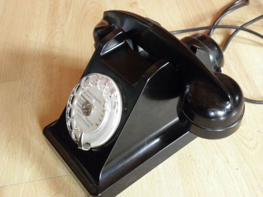 Teléfono De Baquelita Art Deco Pirámide Bell 1940 Francia