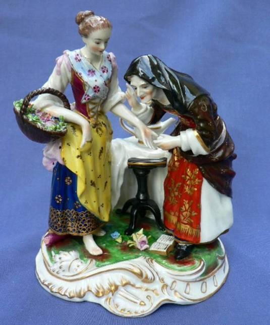 figura porcelana Ludwigsburg adivinadora Alemania 1820