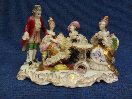 figura porcelana Volkstedt Dresden Germany miniatura de la hora del té Alemania 1900