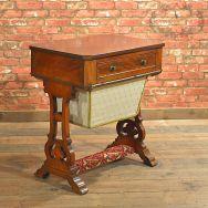Mesa de coser vitoriana en caoba Inglaterra 1840.
