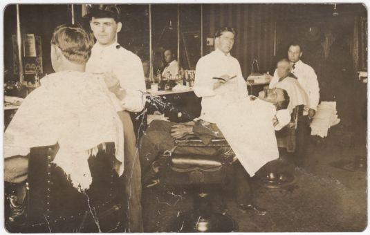 barbería postal original norteamericana de 1940