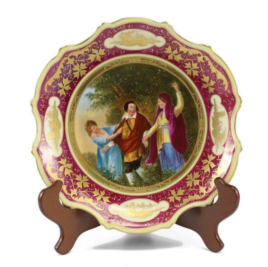plato de porcelana Royal Viena Austria alegoría de la batalla entre lo virtuoso y lo carnal principios siglo XX