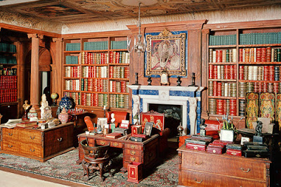 casa-de-munecas-de-reina-mary-y-reina-elizabeth-de-inglaterra-biblioteca