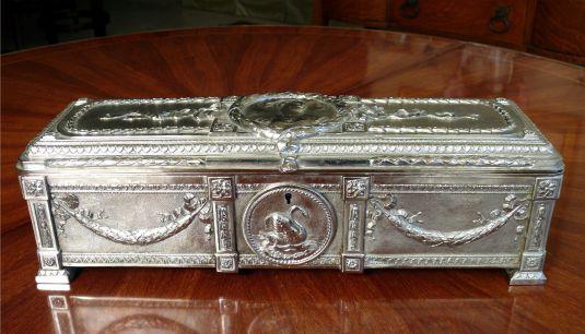 guantes-caja-de-plata-repujada-inglaterra-1850