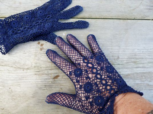 guantes-tejidos-a-crochet-en-hilo-de-alogodon-azul-francia-1890