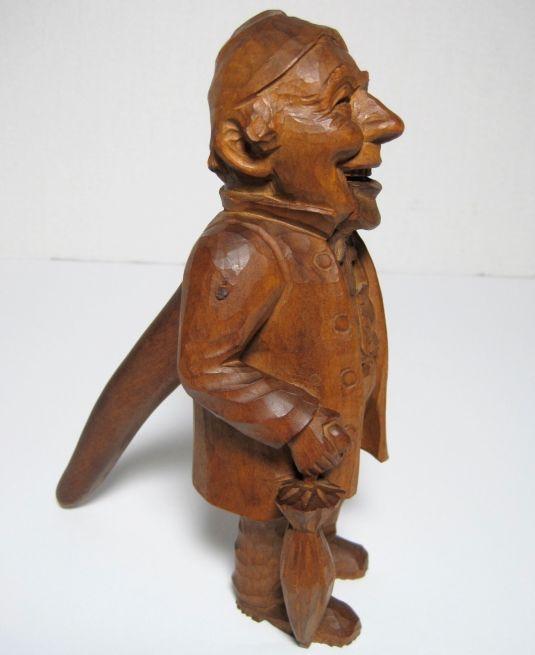 cascanueces-de-madera-tallada-suiza-1930