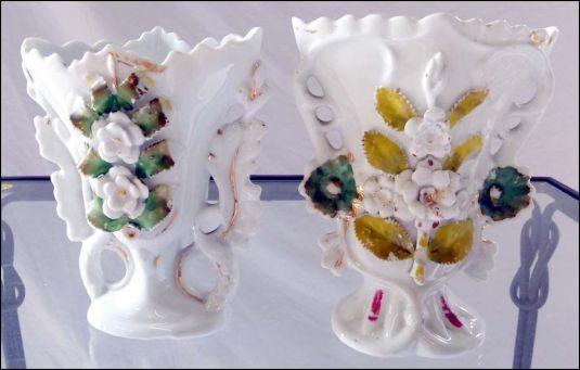 florero-abanico-con-flores-en-alto-relieve-francia-1850