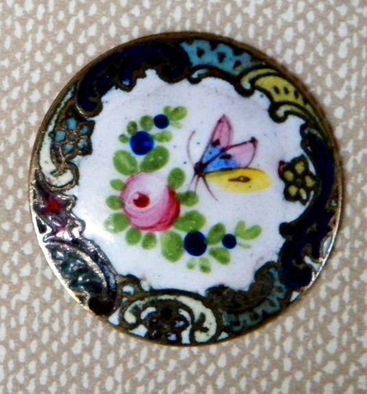boton-esmaltado-victoriano-con-flores-y-mariposa