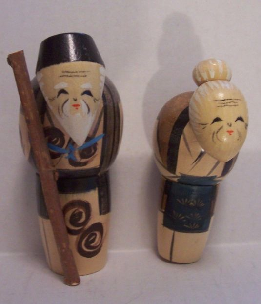 kokeshis-ancianos