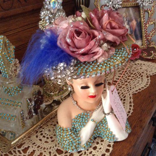 florero-ceramica-rostro-con-piedras-falsas-japon-fabrica-lefton-1950s
