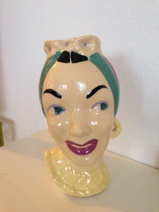 florero-ceramica-rotro-de-carmen-miranda-1940s