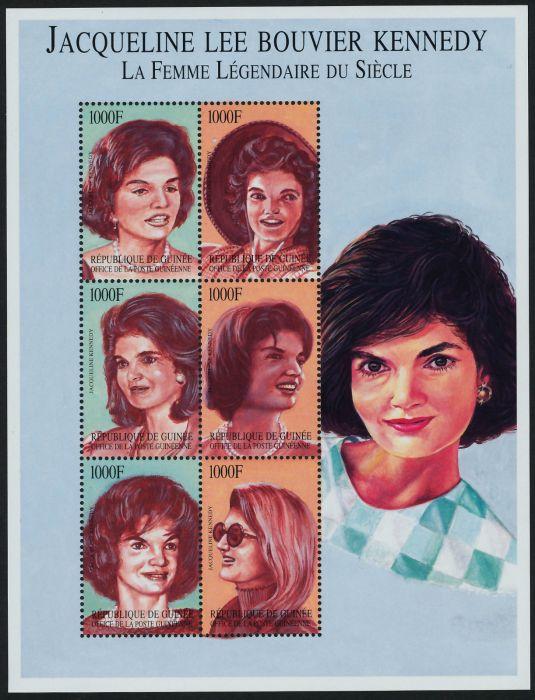 jackie-postal-que-muestra-a-jackie-en-distintas-epocas-de-su-vida