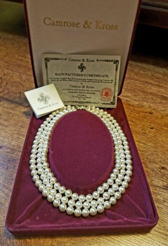 jackie-replica-certificada-del-famoso-collar-de-perlas-de-jackie
