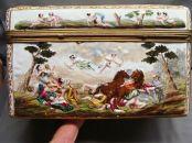 capodimonte cofre siglo XIX decorado con escenas de caza foto 3