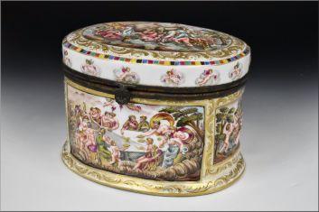 capodimonte cofre siglo XIX decorado querubines y personajes