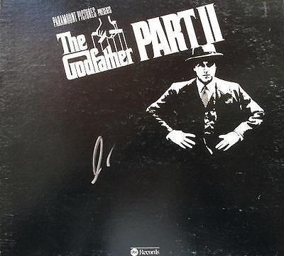 Disco long play firmado por Al Pacino que contiene la música original de la película.