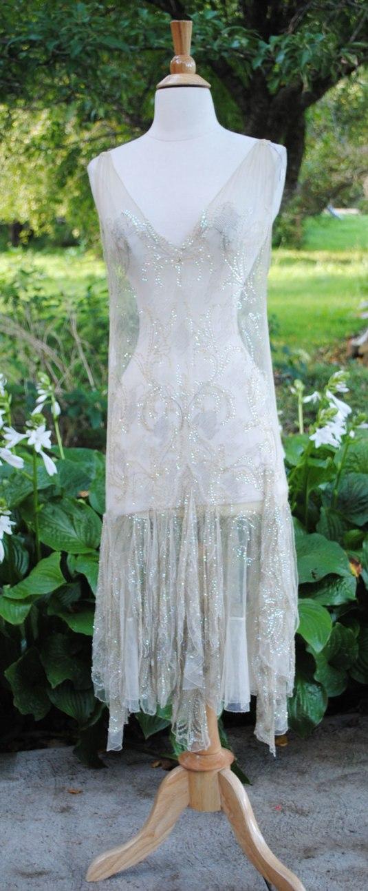 lentejuelas vestido flapper de chifón blanco bordado con lentejuelas aurora boreal y mostacillas